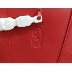 Shopper Figa rojo: detalle figa grabada en piel