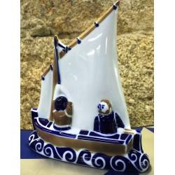 Bote de vela latina Sargadelos